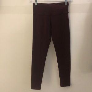 Lululemon burgundy crop legging, sz 4, 63992